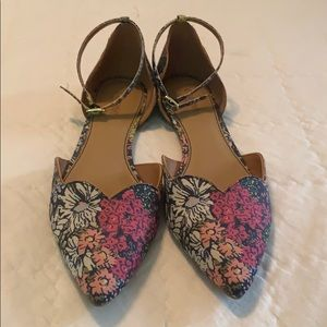 Crown Vintage • floral pointed toe flats